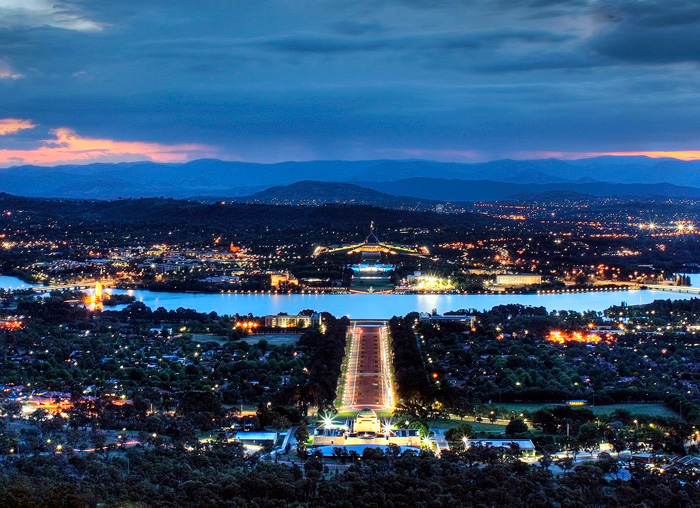 ACT_Canberra-at-night.jpg