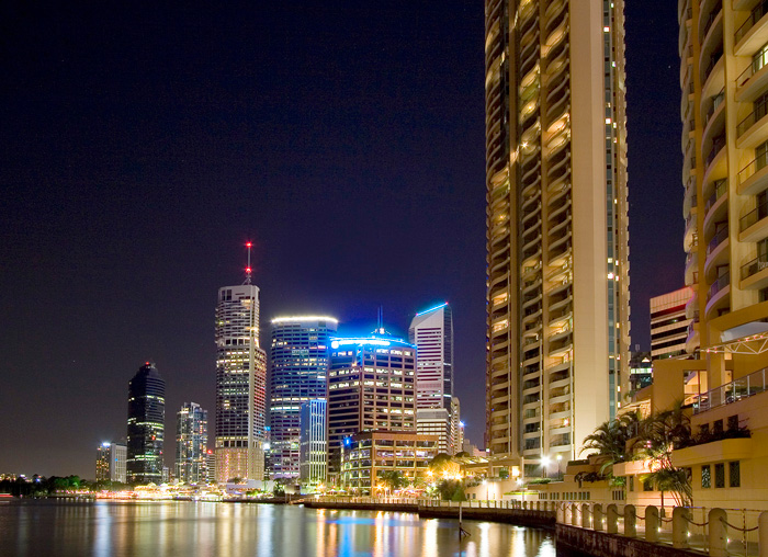 QLD_Brisbane-by-the-River-at-night.jpg